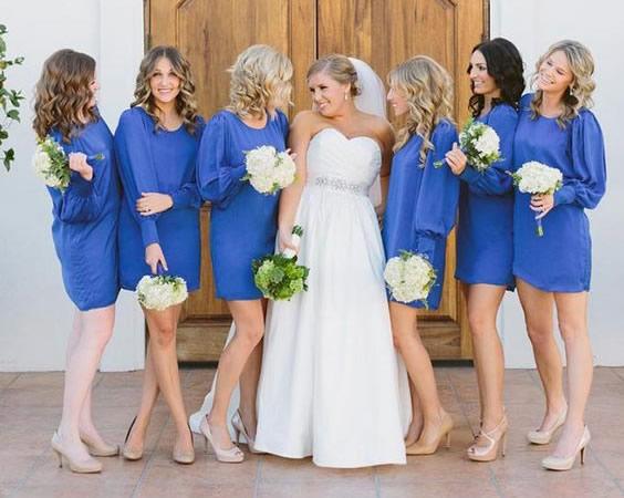 Rochii pentru domnisoarele de onoare, culoarea albastra