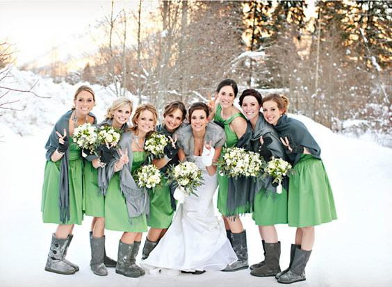 Rochii pentru domnisoarele de onoare, culoarea verde.