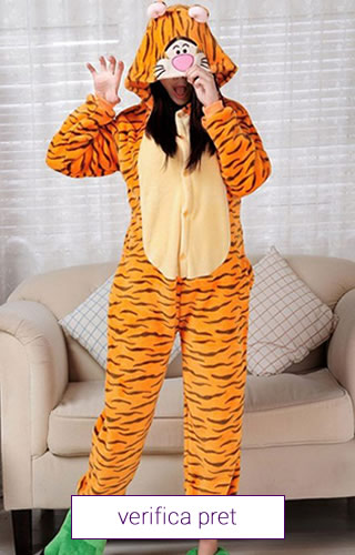 Pijama tip salopeta, model tigru